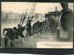 CPA - Scènes De La Vie De Bord - Lavage Du Pont Au Petit Jour, Très Animé - Krieg
