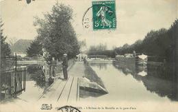 MONTARGIS - L'écluse De La Marolle Et La Gare D'eau, Péniche. - Péniches