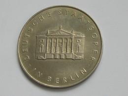 Médaille Allemagne Deutsche Staatsoper- In Berlin    **** EN ACHAT IMMEDIAT **** - Professionnels/De Société