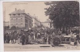 63 CLERMONT FERRAND La Maternité Et Le Marché Aux Puces ,circulée En 1904 - Clermont Ferrand