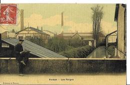PERSAN   LES FORGES   HOMME LISANT SUR PONT  COULEURS TOILEE     DEPT 95 - Persan