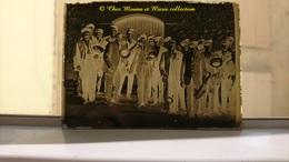 PYRENEES ORIENTALES - FANFARE GROUPE DE MUSIQUE MUSICIENS - PLAQUE DE VERRE 9*6.5 CM - Plaques De Verre