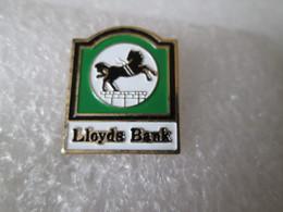 PIN'S    LLOYDS  BANK - Banken