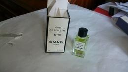 Miniature De Parfum Chanel N°19 Eau De Toilette - Miniatures Modernes (à Partir De 1961)