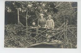 LE TREPORT - Belle Carte Photo Femme Et Enfants Sur Passerelle En Bois - Photo E. ARNAULT LE TREPORT & VILLEFRANCHE - Le Treport