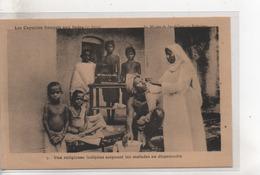 Cpa.Missions.Les Capucins Français Aux Indes.Mission Du Sacré-CoeurUne Religieuse Indigène Soignant Les Malades - Missions