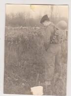 27368 Trois Photos Militaire Soldat Chambrée Urine Pipi Pipe - Guerre, Militaire