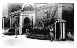 Carte Photo Vers 1930 / ENTREE CASERNE 151 IEME REGIMENT D'INFANTERIE - Metz