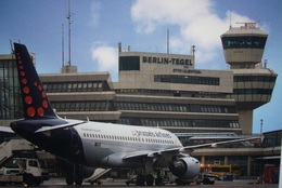 Avion / Airplane / BRUSSELS AIRLINES / Airbus A320 /  Seen At Berlin-Tegel Airport - 1946-....: Ere Moderne