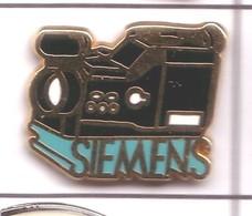 S86 Pin's PHOTO Caméra SIEMENS Qualité ARTHUS Non Signé Achat Immédiat - Fotografie