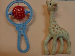Lot De 2 Jouets Hoquet Et Girafe (sophie) - Toy Memorabilia