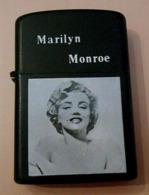 Briquet Marylin Monroe à Essence - Briquets