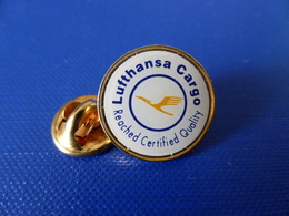 Pin's Lufthansa Cargo - Reached Certified Quality - Logo (F65) - Airplanes