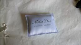 CoussinDior Miss Dior Blooming Bouquet A Parfumer 8 Cm Par 6 Cm - Accessoires