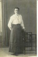 Cpa Carte Photo Jeune Femme Habillée Mode 1920 - Moda
