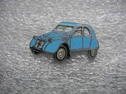 Pin's Citroen 2CV De Couleur Bleue Claire - Citroën