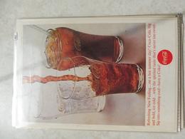 Affiche Publicitaire Coca Cola 25cm Sur 16  -( Verre ) 1963 Copyright / Reclamaffiche Cola - Afiches Publicitarios
