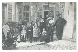 CLERMONT (Oise, 60) Famille GLEYZE , 5 Rue De L'Église - 3  Cartes Photos Familiales Dans La Cour Intérieure - Début 20e - Clermont