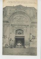 CHANTILLY - Fête Du Bouquet Provincial Des Compagnies D'arc 14 Juin 1908 La Messe Célébrée Sur La Pelouse Des Grandes éc - Chantilly