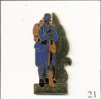 Pin's Armée - La Légion / Légionnaire France 1915. Non Estampillé. EGF. T720B-21 - Militares