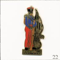 Pin's Armée - La Légion / Fusilier De La Légion Etrangère 1831. Non Estampillé. EGF. T720B-22 - Militares