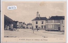 PINEY- LA PLACE DE L HOTEL DE VILLE EN 1900- MAGASIN AU BON MARCHE - Autres Communes