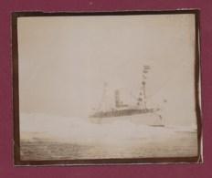 210320A - ANTARCTIQUE PHOTO 1902 Bateau OIHONNA Ddans Les Glaces Océan Glacial Au Retour Du SPITZBERG - Barcos