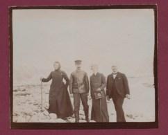 210320A - ANTARCTIQUE PHOTO 1902 Sur La Glace De La Base De Smeerenburg Spitzberg Nord ; Passagers Du Bateau OIHONNA - Orte