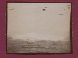 210320A - ANTARCTIQUE PHOTO 1902 Dernier Iceberg 74° Lat Nord Océan Glacial - Vue Prise à Priori Du Bateau OIHONNA - Orte