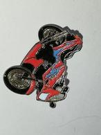 334/ MOTO - Pin's & Anstecknadeln