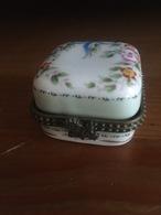 Petite Boite En Porcelaine - Autres
