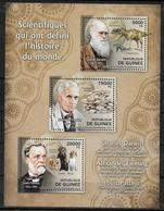 GUINEE  Feuillet N° 6328/30  * * ( Cote 20e )  Darwin Dinosaure Fleming Champignons Pasteur Chiens - Louis Pasteur