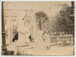 Paris . Les Travaux De L'Exposition Universelle De 1889 Vus De L'intérieur . Sculpteur . - Photos