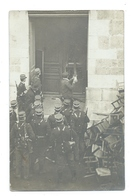 Carte Photo à Identifier - Manifestation - Gendarmes Armés - To Identify