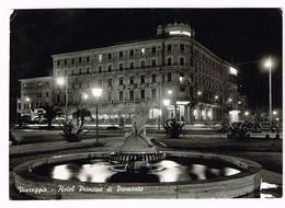V4924 Viareggio (Lucca) - Hotel Principe Di Piemonte - Fontana - Notturno Notte Night Nuit Nacht Noche / Viaggiata 1960 - Viareggio