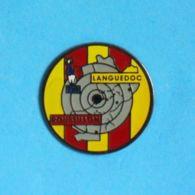 1 PIN'S //  ** FRANCE LIGUE RÉGIONALE DE TIR / LANGUEDOC ROUSSILLON / OCCITANIE ** - Pin's