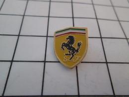313K  Pin's Pins / Beau Et Rare / THEME : AUTOMOBILES / BLASON ECUSSON SCUDDERIA  FERRARI - Ferrari