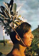 1 AK Brasilien * Mann Vom Indiovolk Der Karajá - Sie Leben In Den Bundesstaaten Goiás, Tocantins Und Mato Grosso * - Brésil