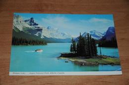 3358-           CANADA, ALBERTA, JASPER NATIONAL PARK, MALIGNE LAKE - Jasper