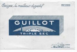 BUVARD   DIGESTIF GUILLOT  CURAÇAO  TRIPLE SEC  21  X  13.5 - Buvards, Protège-cahiers Illustrés