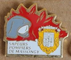 SAPEURS POMPIERS DE MASSONGY - DEPARTEMENT DE LA HAUTE SAVOIE 74 - CASQUE - FLAMMES - ARMOIRIE - FRANCE -  (23) - Pompiers