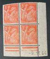 Bloc 4 Timbres IRIS 3 FR YT655 Daté 09/11/1944 - 1940-1949