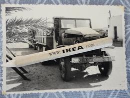 ALGERIE TINDOUF MILITARIA  MILITAIRE  ARMÉE FRANCAISE  VUE PRISE D'UN CAMION GMC ACCIDENTE PHOTO 10 /01/1960 BIS - Afrika