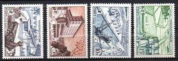 Col17  Colonie Madagascar N° 327 à 330  Neuf X MH  Cote : 4,00€ - Unused Stamps