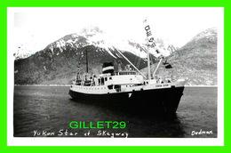"""BATEAU , SHIP -  """" YUKON STAR """" - AT SKAGWAY, ALASKA - REAL PHOTOGRAPH KODAK - DEDMAN - - Cargos"""