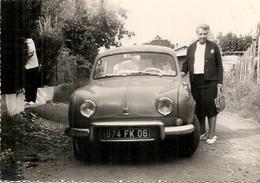 DAUPHINE AVEC MADAME - Automobiles