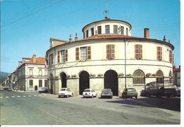 AMBERT - L'hôtel De Ville - Voiture : Citroen GS - 2 CV - Renault R 12 - Ambert