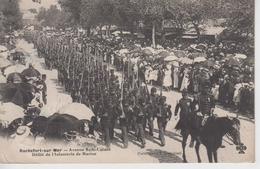 CPA Rochefort-sur-Mer - Avenue Sadi-Carnot - Défilé De L'Infanterie De Marine (très Belle Scène) - Rochefort