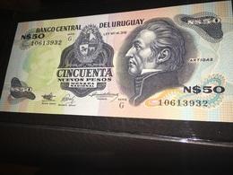 See Photographs. Uruguay N$50 CINCUENTA NUEVOS PESOS BANCO CENTRAL 1989. Banknote - Uruguay