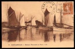 CONCARNEAU. 2 Cpa  - Bateaux Thoniers Au Port. / Le Port. (scans Recto-verso) - Concarneau
